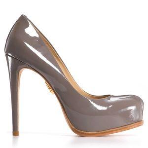 """Pour La Victoire """"Irina"""" platform pump. Size 6"""